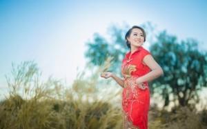 Chinesische Frauen wissen sich zu kleiden. Dabei spielen traditionelle Elemente eine große Rolle.